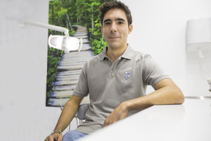 Jaime Massot Cardenal odontólogo en Alicante